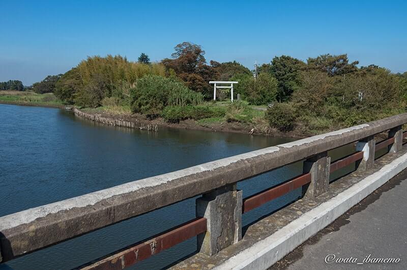 福雷橋から見る一の鳥居