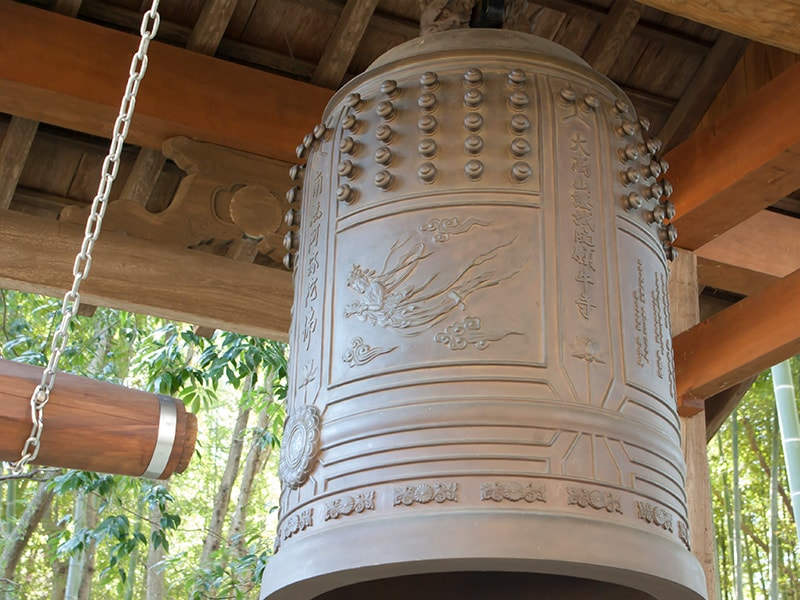 天女が描いてある梵鐘