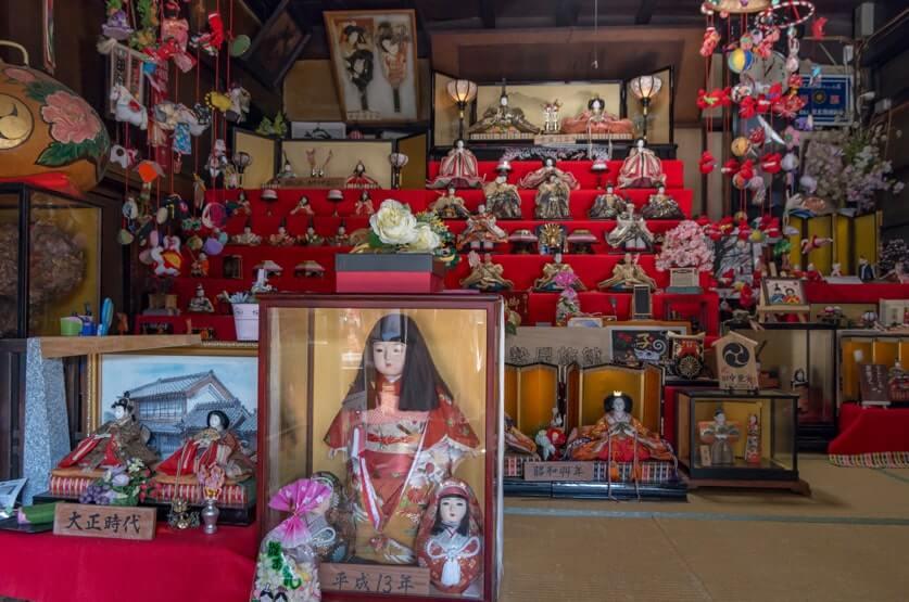 伊勢屋旅館の雛人形