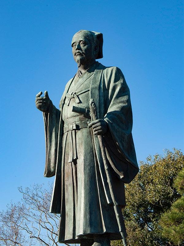 千波湖の水戸光圀像