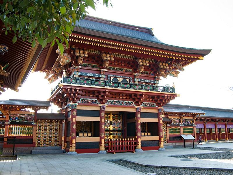 再建された麒麟門