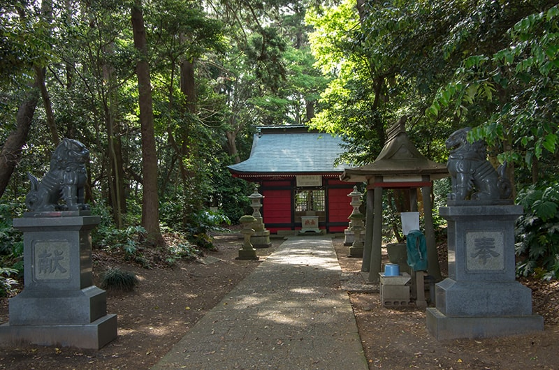 蚕霊神社参道