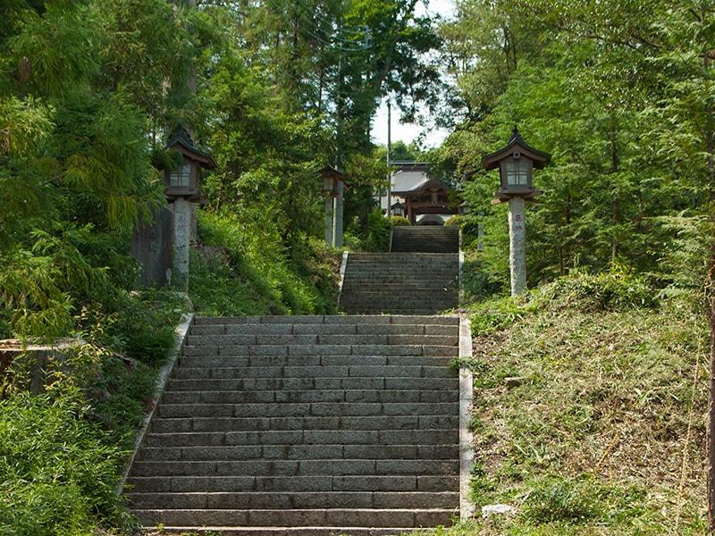 静神社石段
