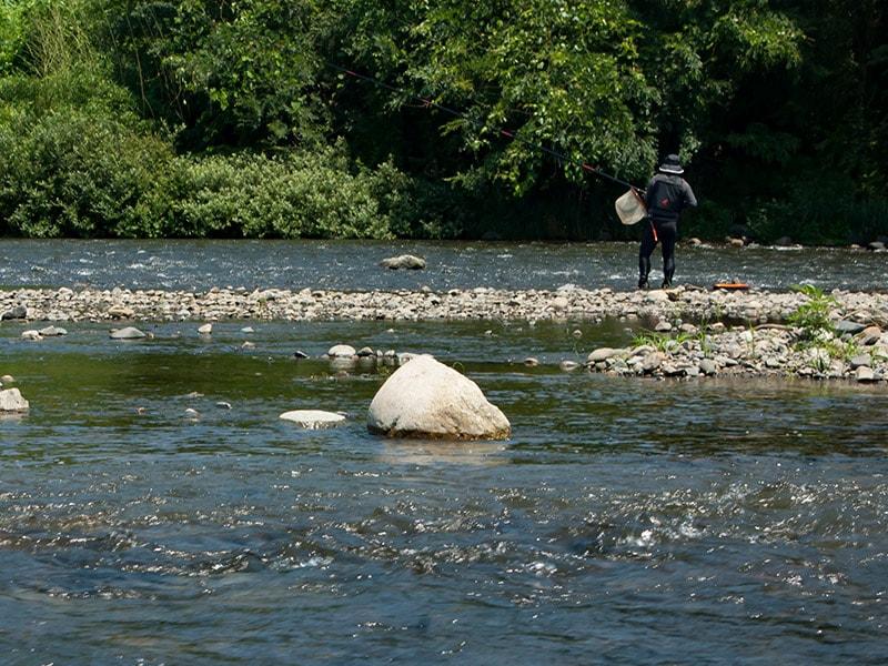 久慈川の釣り人