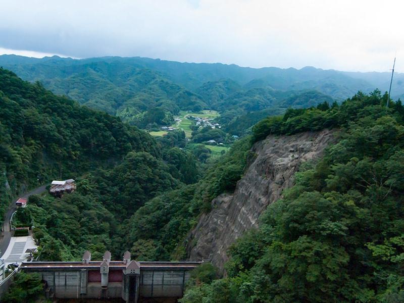 竜神大吊橋から見る常陸太田市の里山