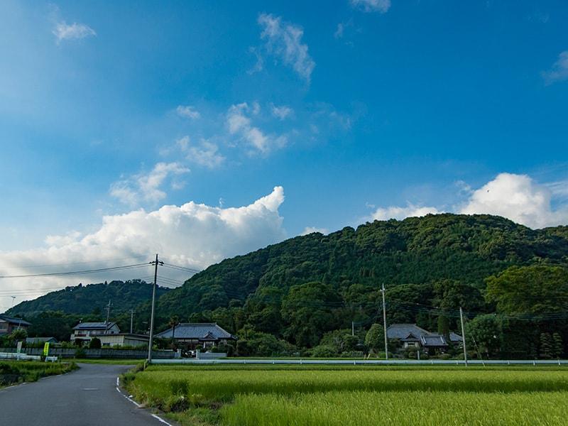 佐都ヶ岩屋古墳のある山