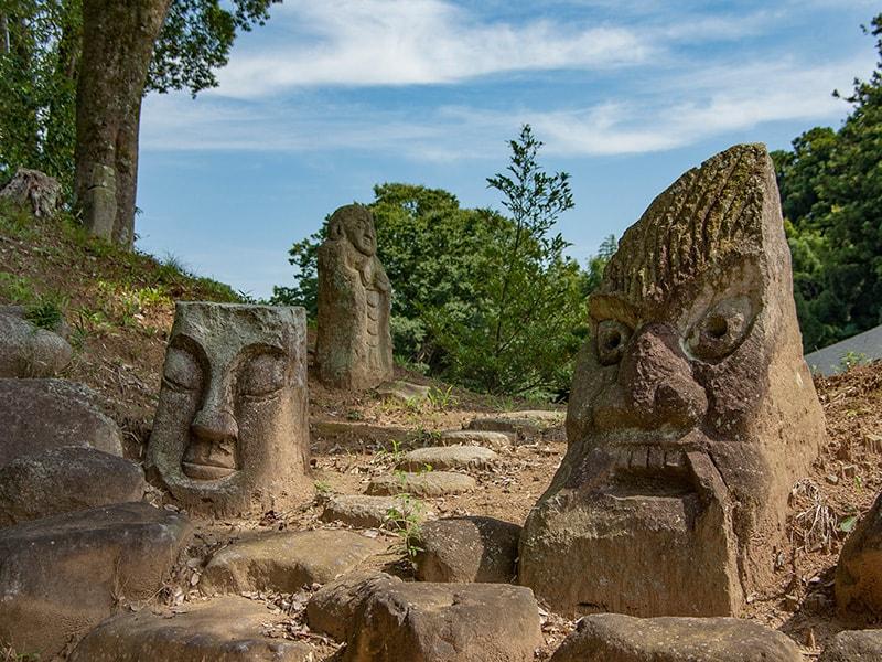 長興寺の石像1