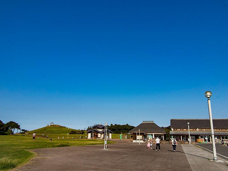 駐車場から見る鹿島灘海浜公園