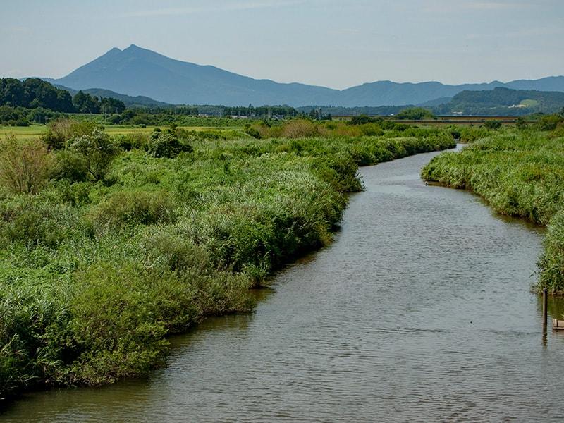 恋瀬橋から見る恋瀬川と筑波山