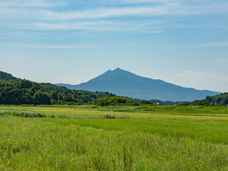 師付の田井から見える筑波山