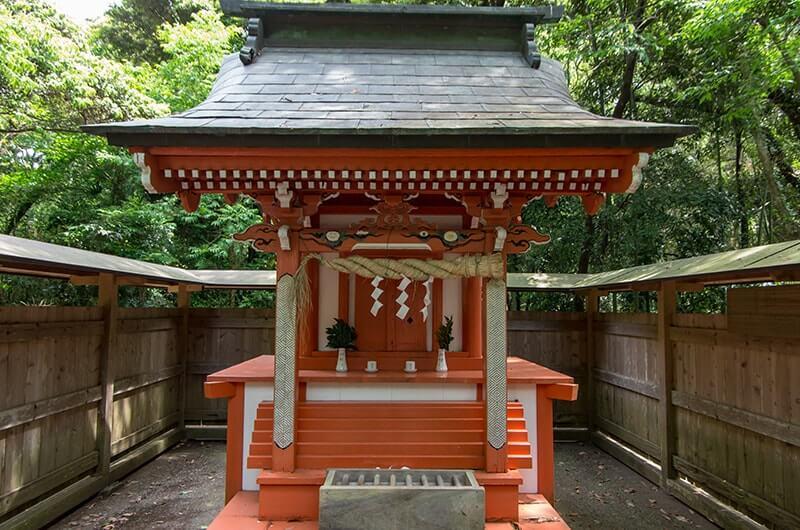 八龍神社社殿