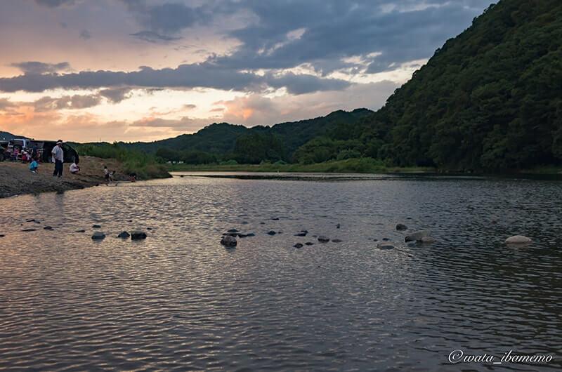 夕方の久慈川
