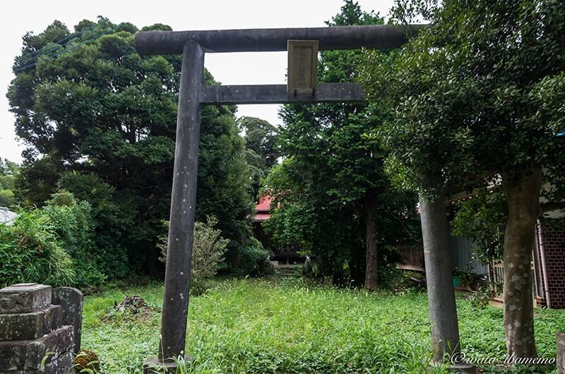 根本女化稲荷神社