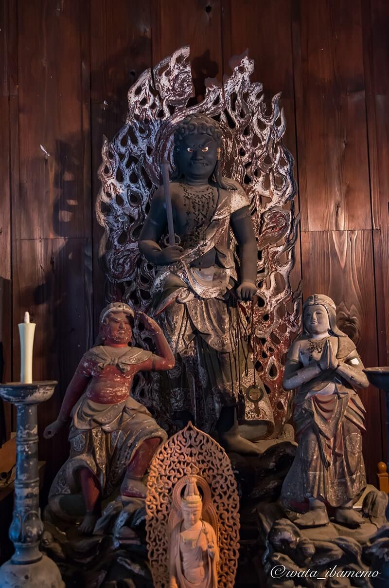 不動明王像及び二童子立像(かすみがうら市指定文化財)