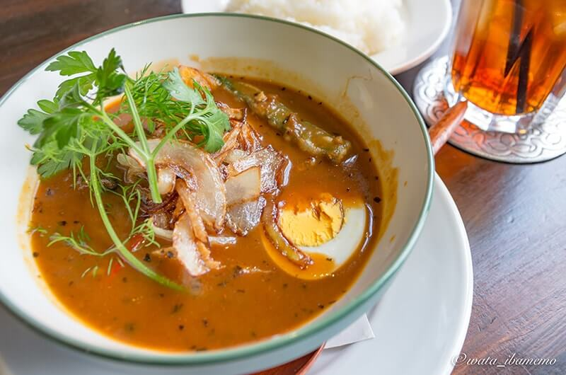 かしまし豚と彩り野菜のスープカレー(1,400円)