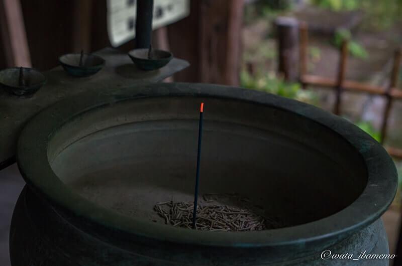 香炉とお線香
