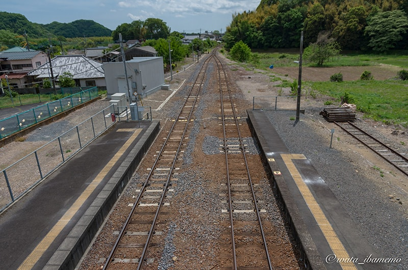 歩道橋から見る線路
