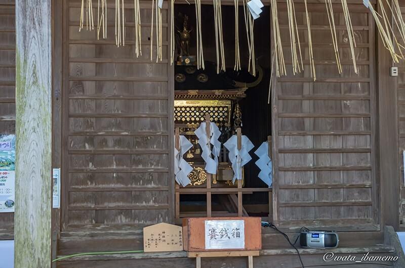 拝殿のお神輿
