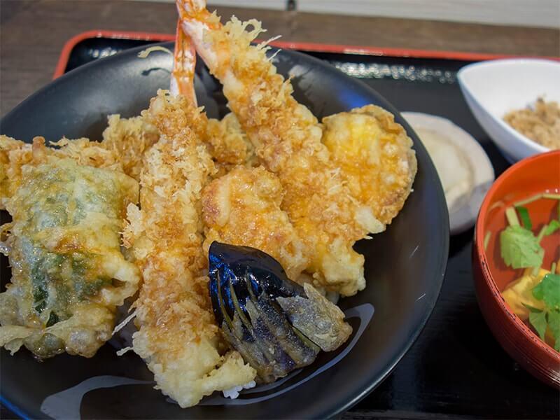 地魚と大えびの天丼