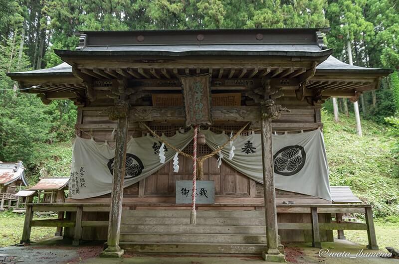 拝殿(上野宮)