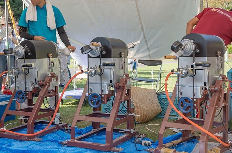 焼き栗を生産する機械