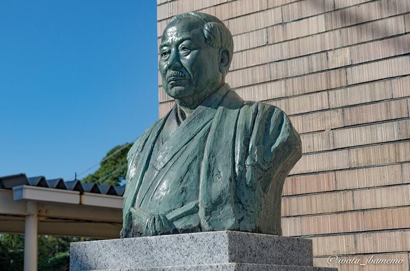 梅津氏銅像