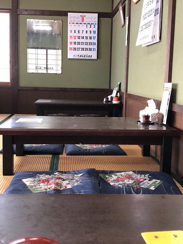 店内の座敷席