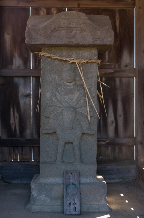八幡さまの祠