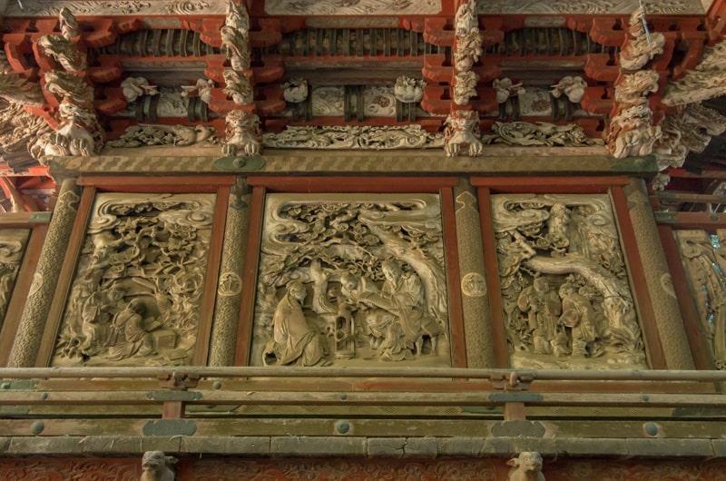 本殿裏の彫刻