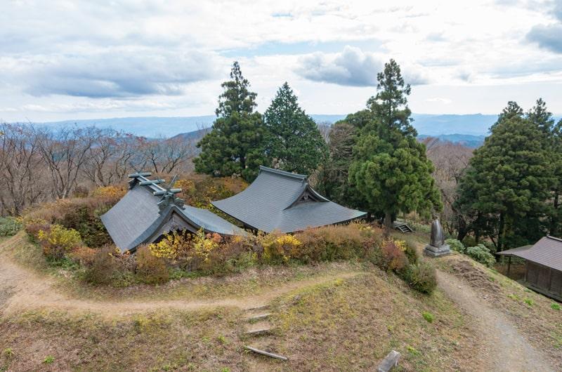 展望台から見る社殿