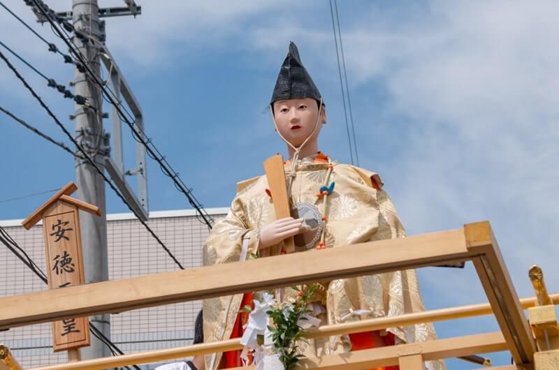 安徳天皇の山車人形
