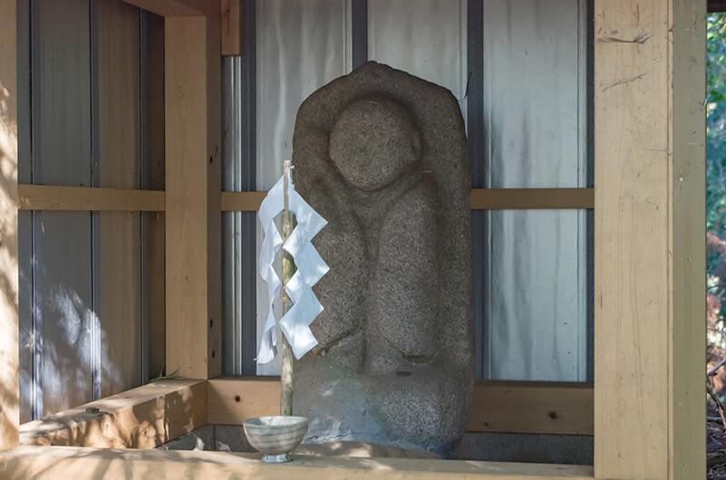 神仏習合の名残の石仏