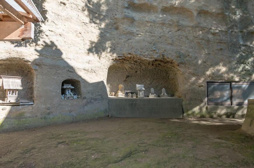 本殿裏の祠