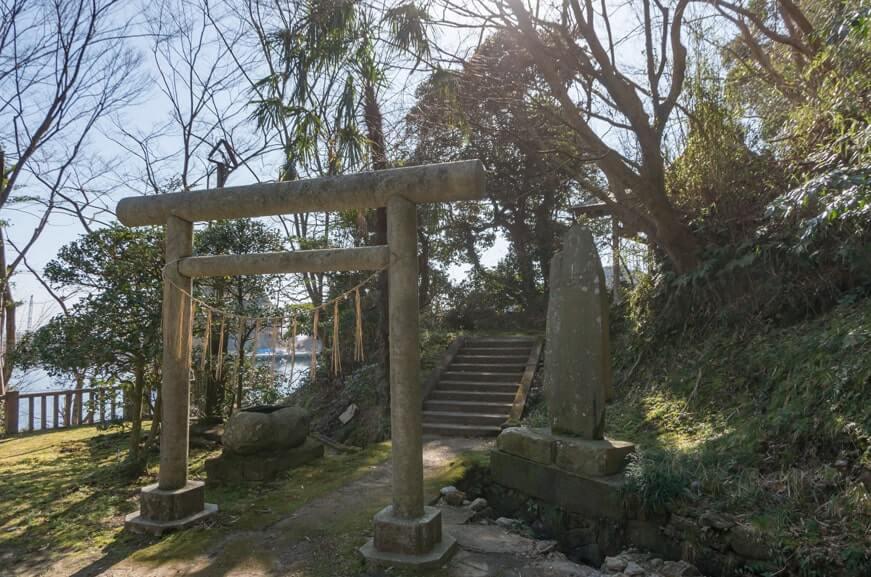 境内社(甚平鮫神社・八坂神社)