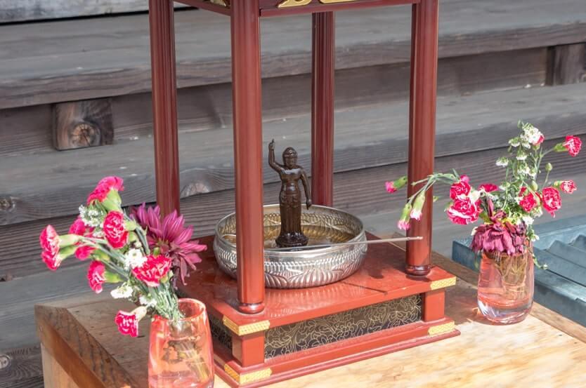お釈迦様の像