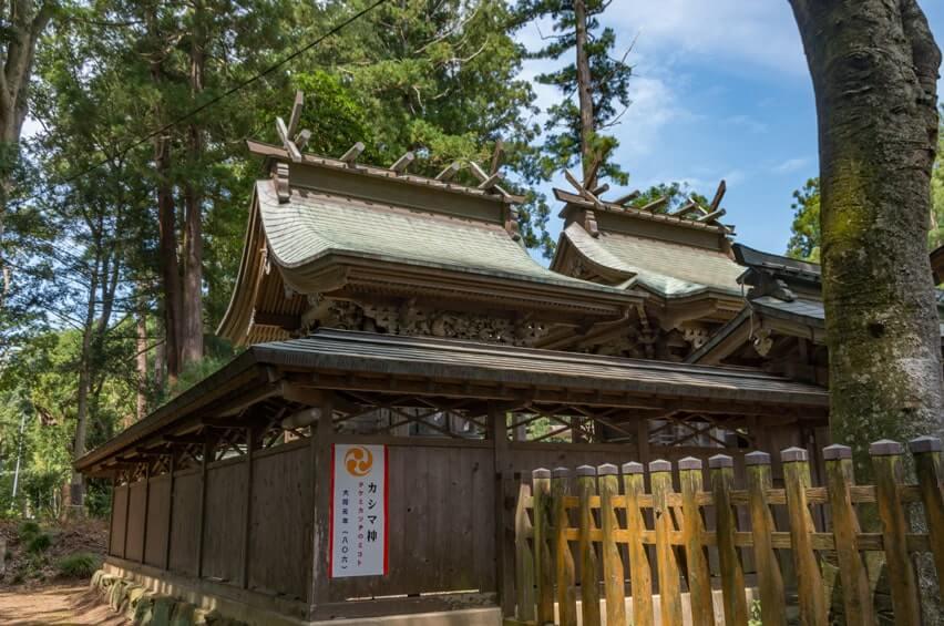 本殿(左・鹿島神社/右・八幡神社)