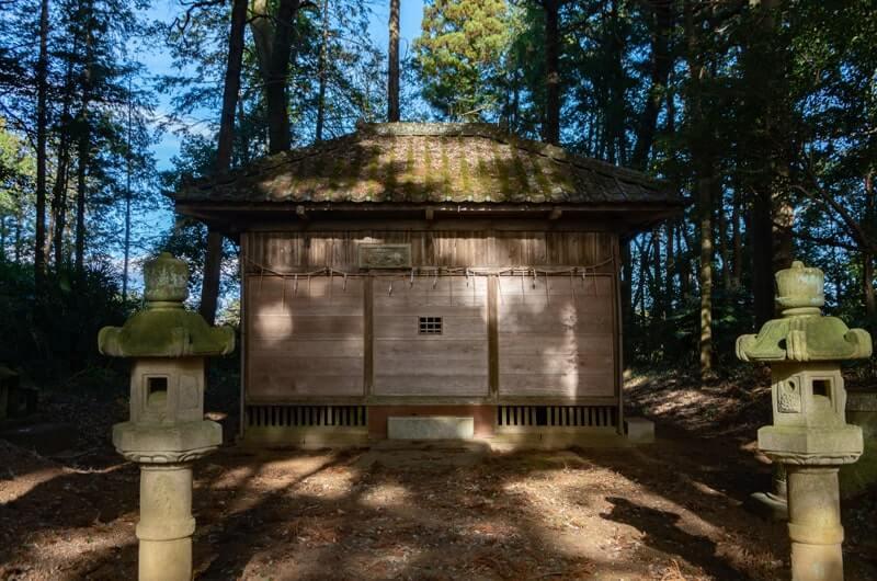 上土田鹿島神社の拝殿