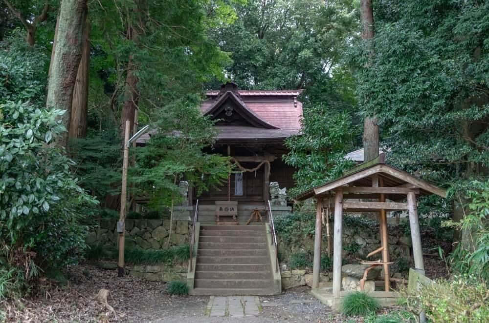 長幡部神社