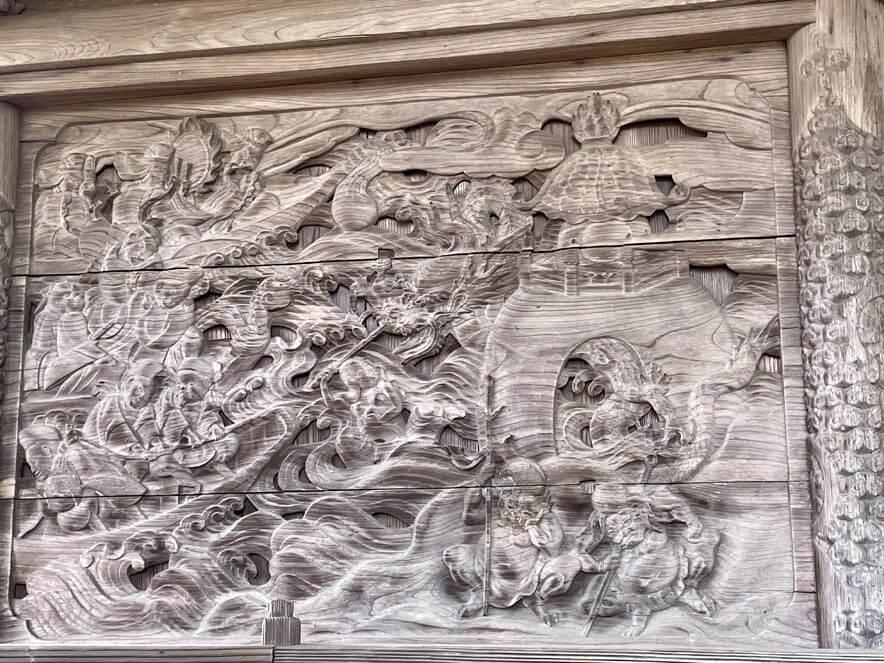 本殿の彫刻1
