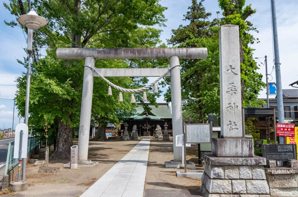 大桑神社の大鳥居