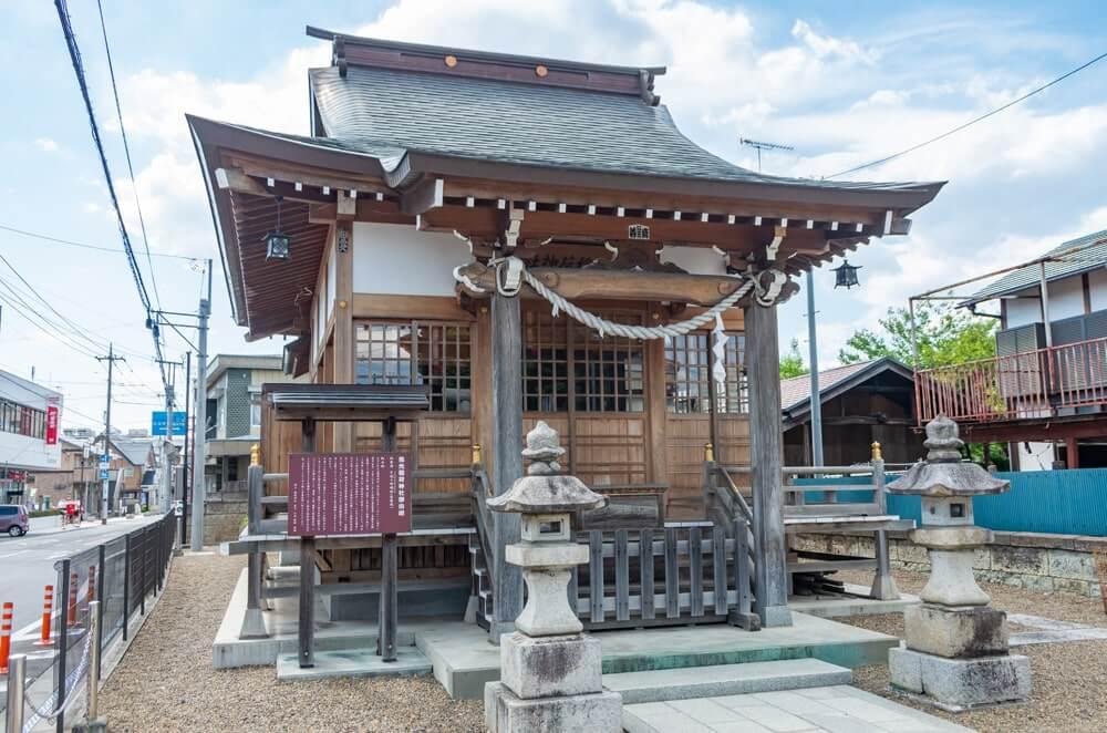 雪光稲荷神社の社殿