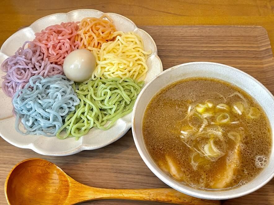 六色麺つけ