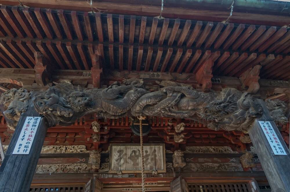 観音堂の彫刻